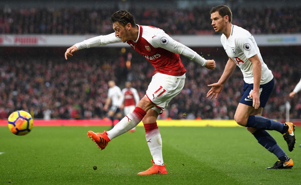 Mesut Ozil did not join Fenerbahce as a free agent/Arsenal could be in line to receive small sum